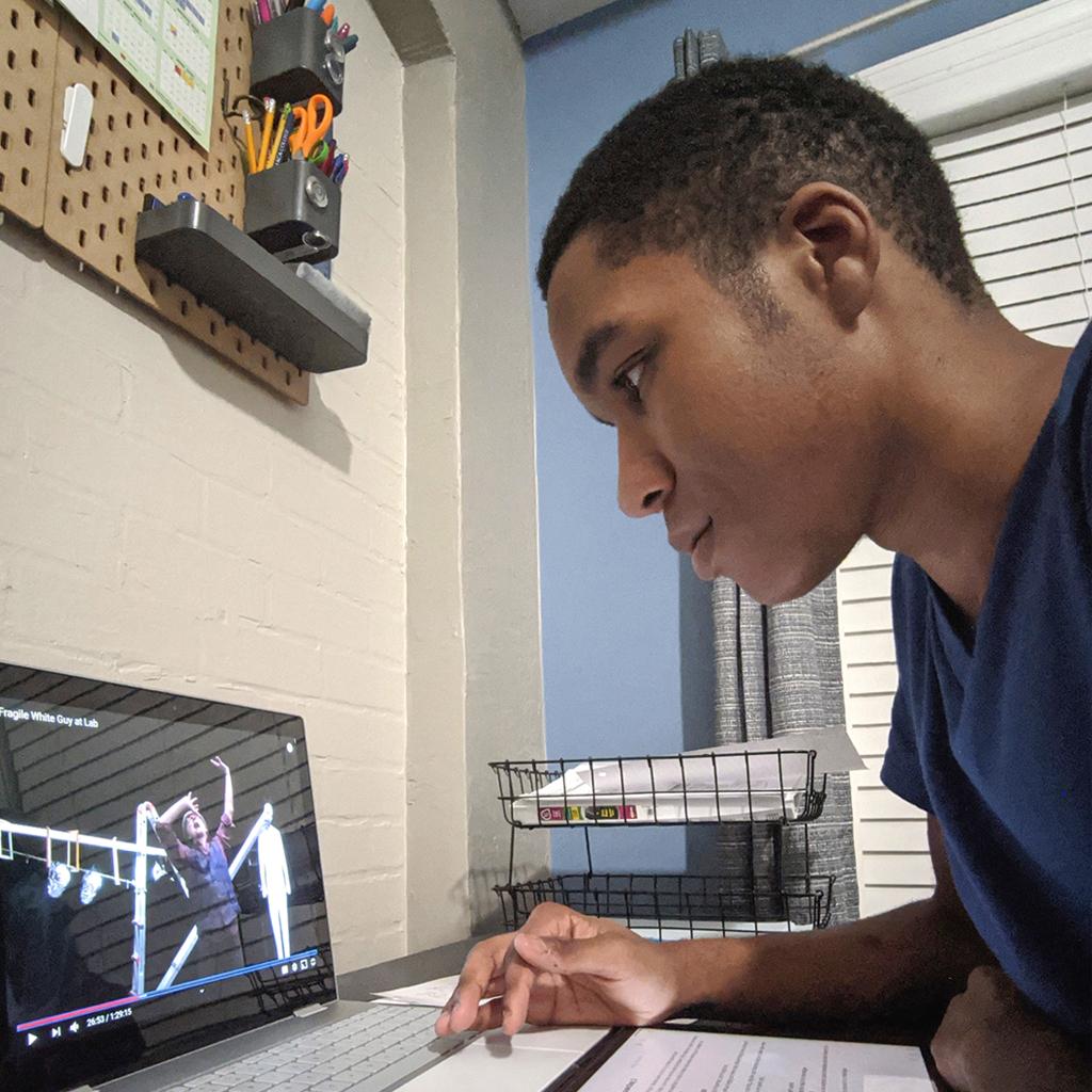 Syracuse University Summer College precollege student